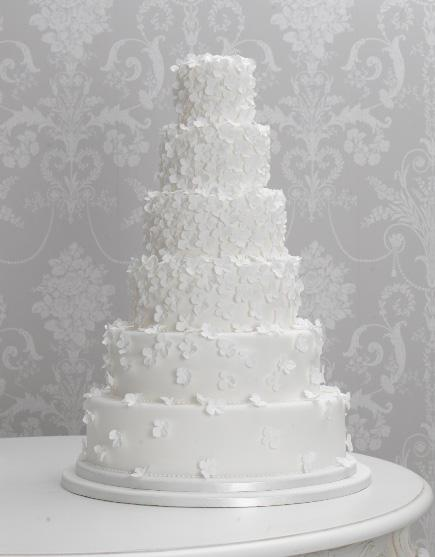 wedding cakes traditionally white lethal rhythms review wedding cake trends of 2011 25749